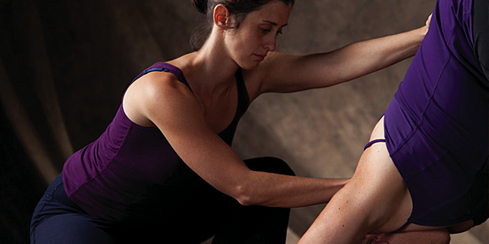marlysa-sullivan-therapeutic-yoga-knee-hip