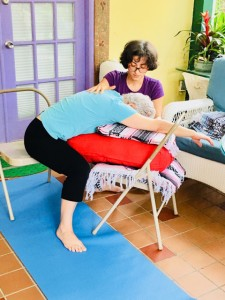 Yoga therapy in garden room (1)